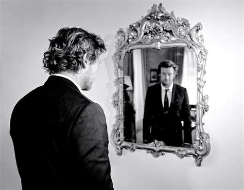 passer de l autre cte du miroir samedi sur tf1 simonbaker passe de l autre c 244 t 233 du miroir dans 50minside en 5