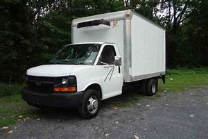 Chevrolet Express 3500  2004    Van    Box Trucks