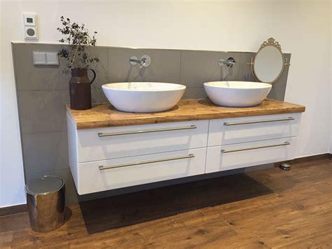 Badezimmer Spiegelschrank Aus Holz by Sch 246 Ne Badem 246 Bel In Kombination Aus Alt Und Neu