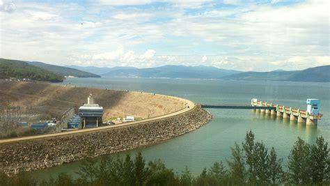 wac bennett dam visitor centre