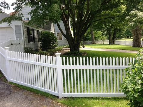 white wood picket fencing wood picket fence wood fence