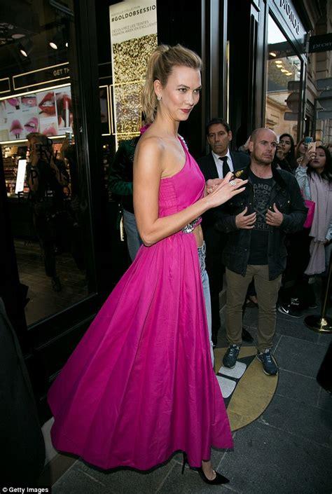 Karlie Kloss Goes Braless Skintight Leather Dress