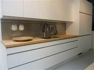 cuisine blanche et plan de travail bois - Recherche Google ...