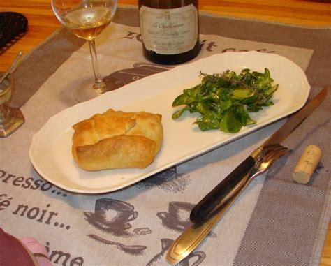 cuisiner les manchons de canard recette feuilletes de manchons de canard aux pruneaux
