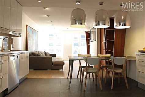 parquet cuisine ouverte cuisine carrelage et salon parquet