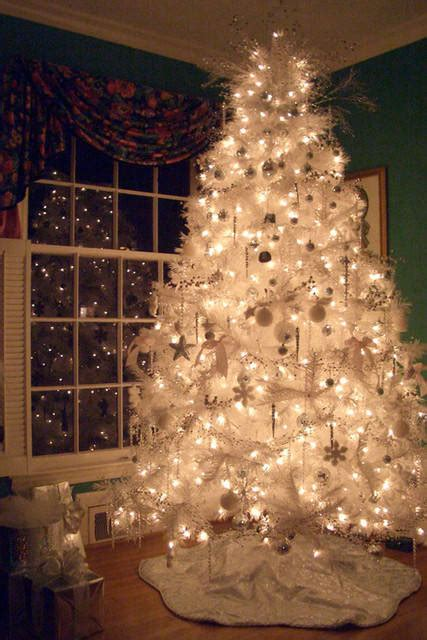 decorate  white christmas tree