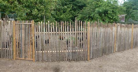 kleiner gemuesekoenig staketen und holzzaeune selber bauen