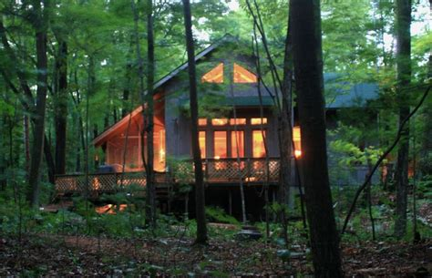 secluded cabin rentals in michigan secluded on lake michigan