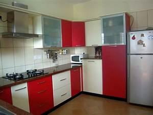 Modular kitchen designs in simple red and white for Kitchen design red and white