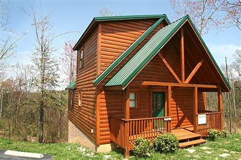 log cabins in gatlinburg quot bearly rustic quot gatlinburg log cabin in gatlinburg tn