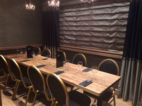 Using Solid Wood Worktops for Dining Tables   Worktop