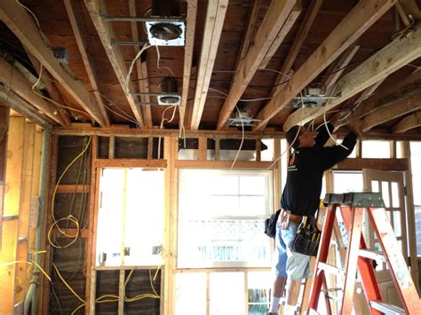 5 signs you should replace home electrical wiring