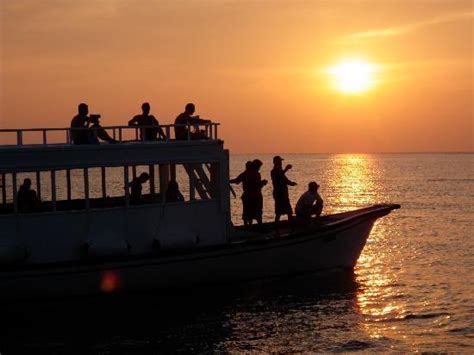 sunset cruise picture  kuredu island resort spa