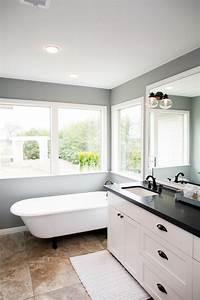 Fixer Upper Badezimmer : 5 things every 39 fixer upper 39 inspired farmhouse bathroom needs for the home badezimmer bad ~ Orissabook.com Haus und Dekorationen