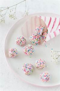 Essbare Geschenke Selber Machen : bunte herz schokolade diy bonbont ten diy geschenke zum muttertag geschenkideen ~ Eleganceandgraceweddings.com Haus und Dekorationen