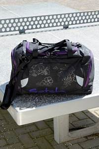 Sporttasche Mit Rucksackfunktion : satch sporttasche purple hibiscus schulrucks cke ~ Eleganceandgraceweddings.com Haus und Dekorationen