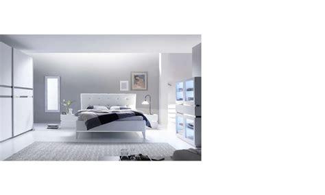 chambre laqu blanc chambre adulte design laque blanc et chrome arla