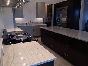 Couleur Cuisine Moderne : cuisine carrelage cuisine moderne avec clair couleur ~ Melissatoandfro.com Idées de Décoration