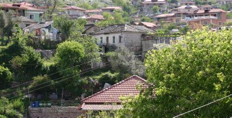 Do shkriheni së qeshuri! Këta janë fshatrat shqiptarë me ...