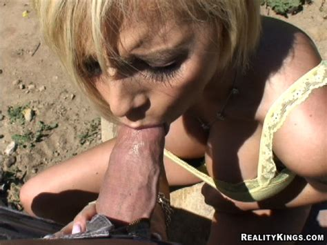 Street Blowjobs Outdoor Blowjob At Amateurindex Com