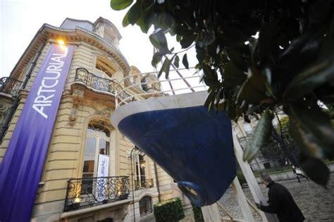 maison de vente aux encheres la maison de vente aux ench 232 res artcurial cambriol 233 e 450 000 euros de pr 233 judice le point