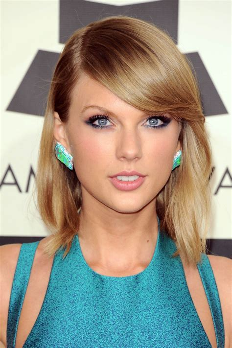TAYLOR SWIFT at 2015 Grammy Awards in Los Angeles – HawtCelebs