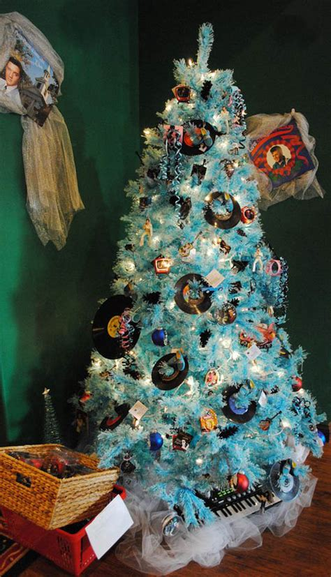 30+ Creative Christmas Tree Theme Ideas  All About Christmas