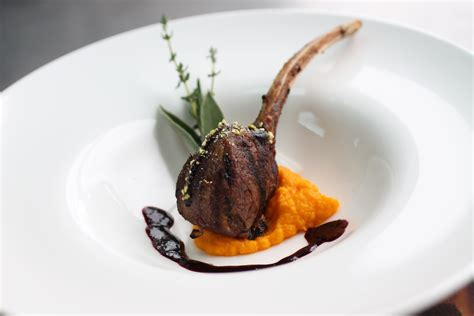 find  perfect caterer   event catering  michaels