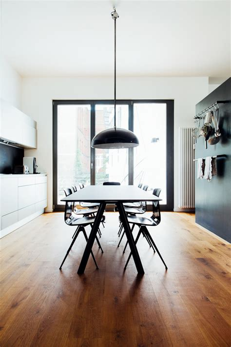 choose  perfect dining table   kitchen
