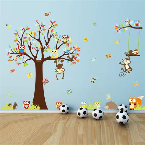 sticker mural chambre sticker les petits singes jouent sur les arbres stickers