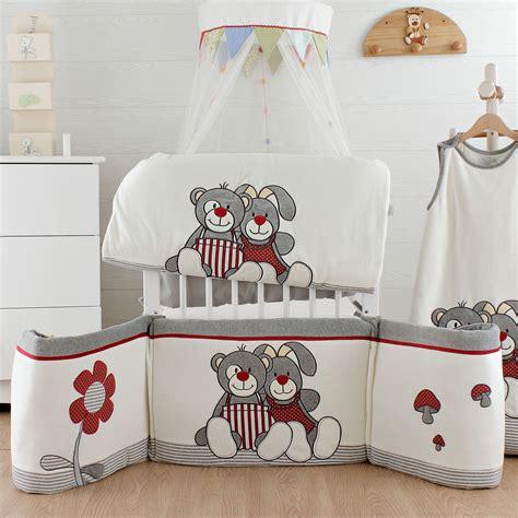 chambre bébé autour de bébé tour de lit autour de bébé moderne deco maison design