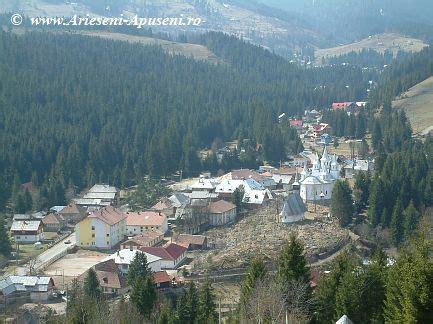 Înălțarea Domnului, hramul Mănăstirii Noul Neamț (Chițcani) - Portalul