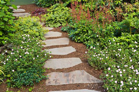 garden pathway design ideas with some stones