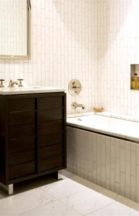 tile pattern  shower vertical