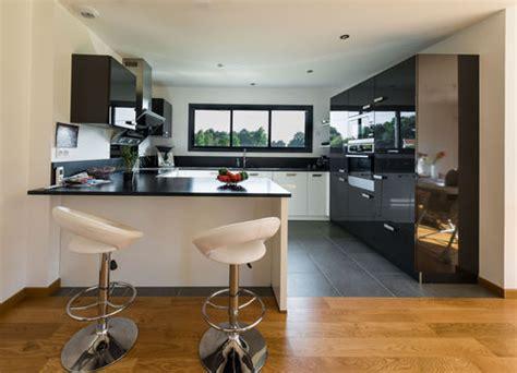 photo cuisine ouverte sur salon une cuisine ouverte sur le salon faire construire sa maison