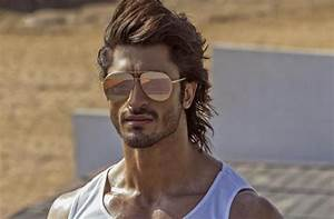Commando 2 and a flying Vidyut Jamwal is all we needed to ...