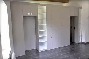 Un agencement qui cloisonne une chambre et une salle de for Agencement d une chambre