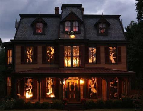 houses  canada  nailed halloween  year