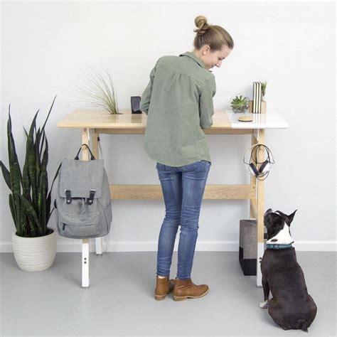 bureau debout bureau en bois moderne qui encourage le travail debout
