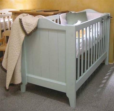 chambre bébé bois massif lit bebe bois massif
