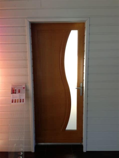 porte d entr 233 e bois mod 232 le feijoa r 233 alisation de la menuiserie solabaie le puy