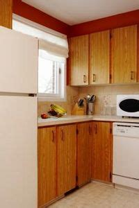 how to remove kitchen cabinets from floor how to remove fingerprints grease from kitchen cabinets