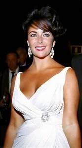 Kate Winslet nude | Mrs Robinson? Aka Elena Lincoln ...