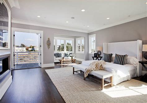 foto de Family Home with Transitional Interiors Home Bunch