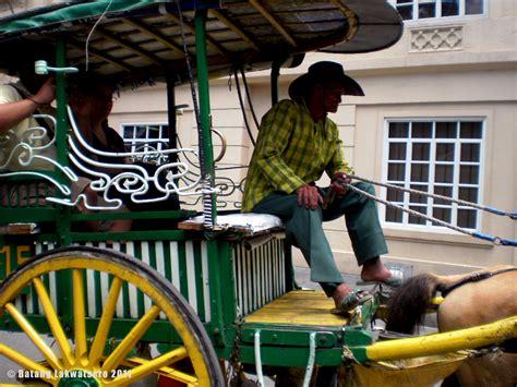 Carlos Celdran batang lakwatsero  walktour  manila intramuros 1280 x 960 · jpeg