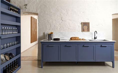 set de cuisine retro kitchen design trends 2018 2019 colors materials