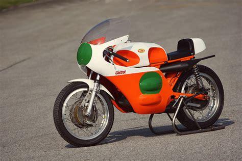 Building A Vintage Racing Motorcycle