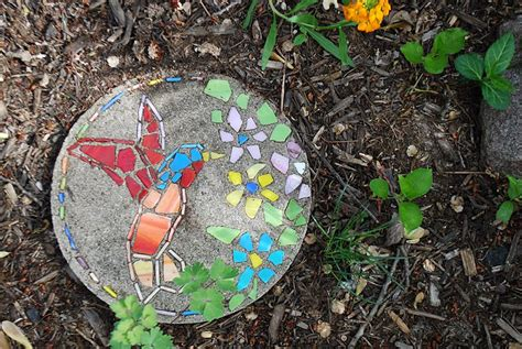 {diy Or Buy} How To Make A Garden Mosaic Stepping Stone