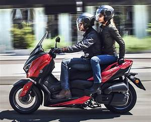 Yamaha 125 Xmax : 2018 yamaha x max 125 scooter released in europe paul tan image 709943 ~ Medecine-chirurgie-esthetiques.com Avis de Voitures