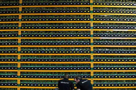 Zum zeitpunkt des schreibens bewegte sich bitcoin (btc) bei der preismarke von 12.000 usd im laufe der jahre stieg und fiel der kurs mehrmals, bis er sich 2013. Bild zu: Der Kurs der Krypto-Anlage Bitcoin bricht weiter ein - Bild 1 von 1 - FAZ